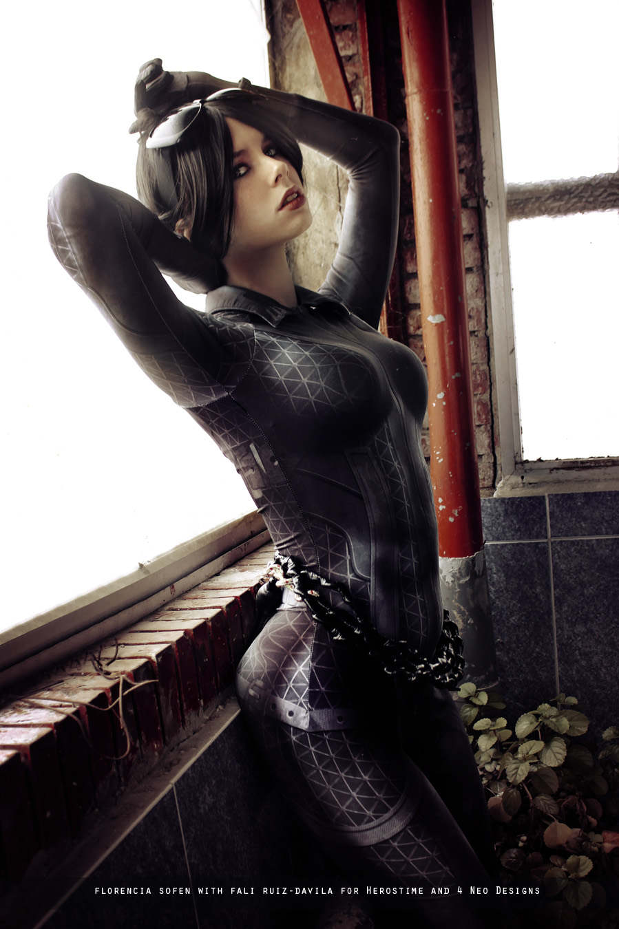 Catwoman arkham city unzipping her suit xvideos fucking clip