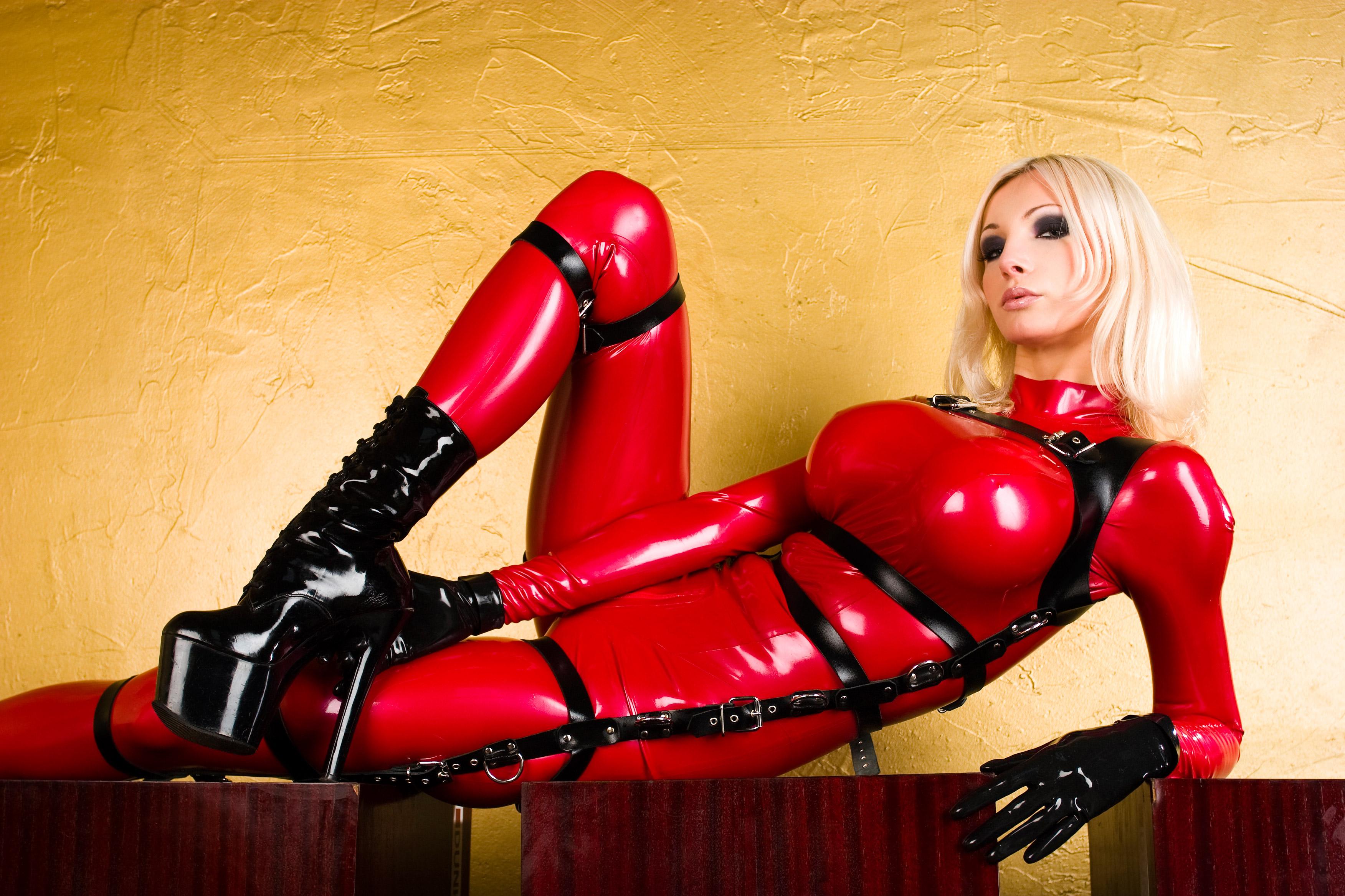 Эротическая игра sexy girl red 18 фотография
