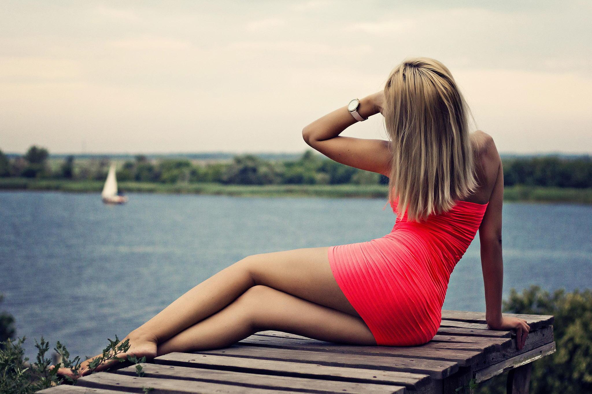 Фото девушек блондинок с каре со спины 20 фотография