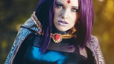 Королева Титана из Teen Titans (Тинэйджеров Титанов)