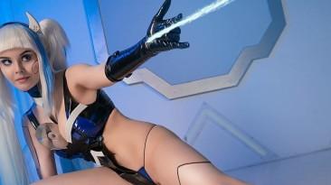 Необычно: Русская девушка показала себя в образе ожившей PlayStation 5 - смелый косплей