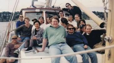 Опубликовано фото команды разработчиков Half-Life на яхте перед релизом - 1997 год