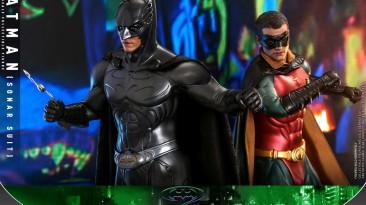 Бэтмен и Робин в миниатюре: Hot Toys анонсировала фигурки главных героев фильма Batman Forever