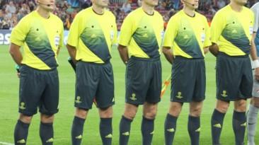 "FIFA 12 ""UCL Referee kit 2012/2013 by Romaldo07"""