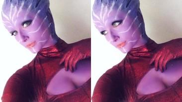 Косплей на азари из Mass Effect - инопланетная сексуальность