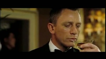 """Quantum of Solace """"Becoming Bond Trailer"""""""