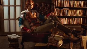 Косплей на Трисс Меригольд из The Witcher 3: Wild Hunt - чародейка в библиотеке