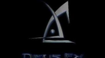 Создатели первой Deus Ex играют в своё творение