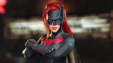 В мобильной версии Injustice 2 появилась Бэтвумен