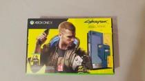 Консоль Cyberpunk 2077 Xbox One X Limited Edition - подробные изображения распаковки