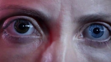 В новом трейлере PS5-эксклюзив Returnal выглядит гламурно