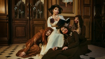 Косплей Леди Димитреску и её дочерей