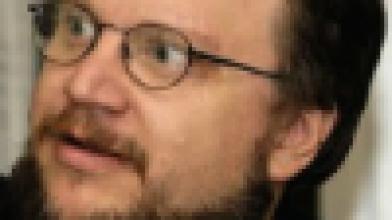 Гильермо Дель Торо не бросил inSane. Режиссер посматривает в сторону Valve