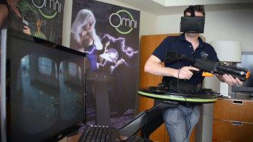 Counter-Strike вдемонстрационном ролике «виртуальной беговой дорожки» Virtuix Omni