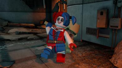 В начале 2015 года для LEGO Batman 3 выйдет DLC The Squad с Харли Куинн