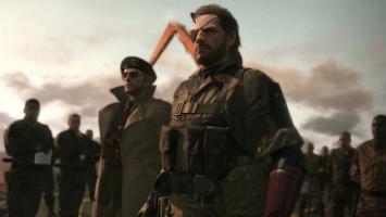 Хидео Кодзима, вероятно, раскрыл дату релиза Metal Gear Solid 5: The Phantom Pain на своей футболке