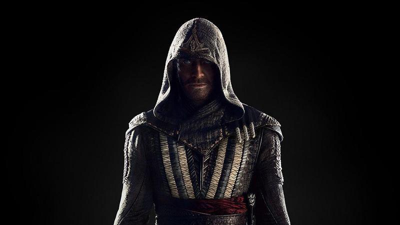 Майкл Фассбендер в образе ассасина из экранизации Assassin's Creed