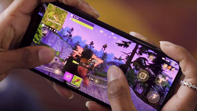 Игроки фритуплейной Fortnite: Battle Royale потратили более $1 миллиона на мобильных