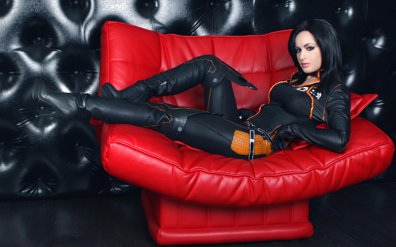 Стриптиз в кожаных, Стриптиз в кожаном - видео Yo-Sex 15 фотография