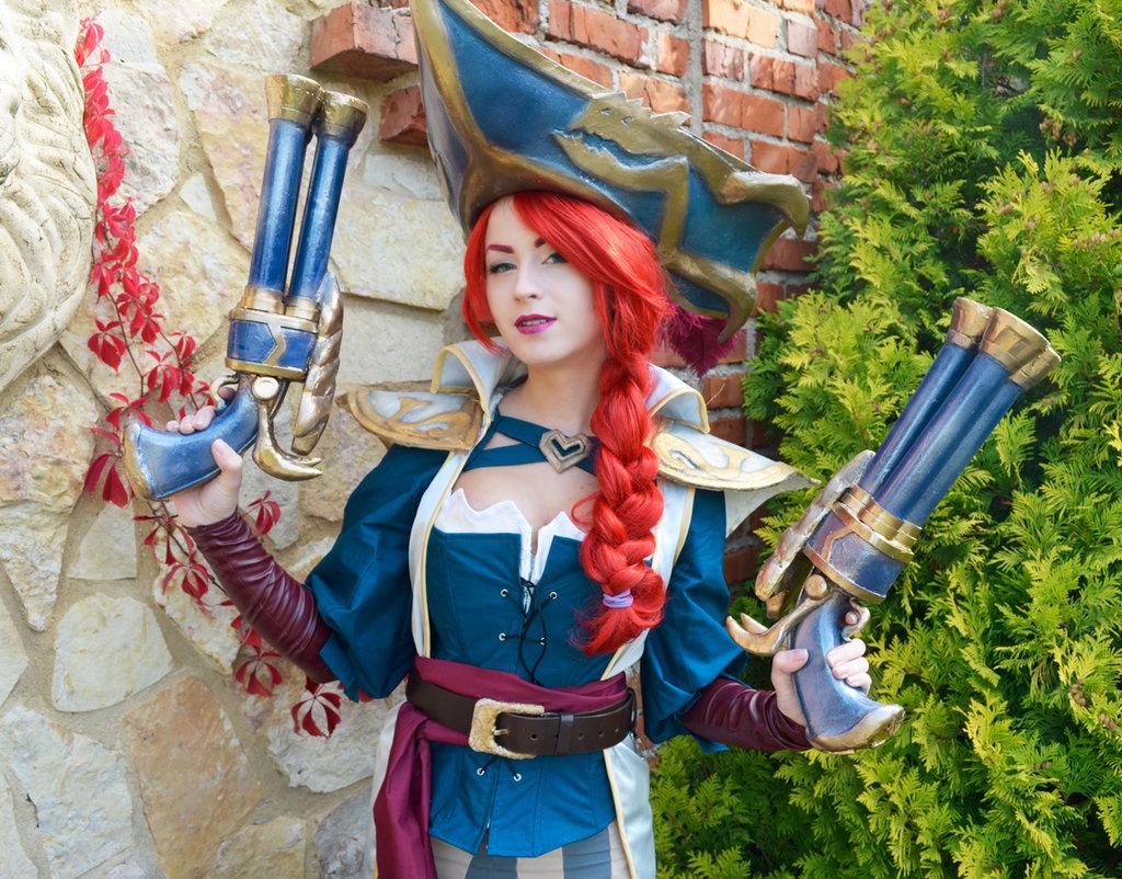 captain_fortune_by_jokerlolibel-d9ayct3.jpg - - девушки в играх, косплей