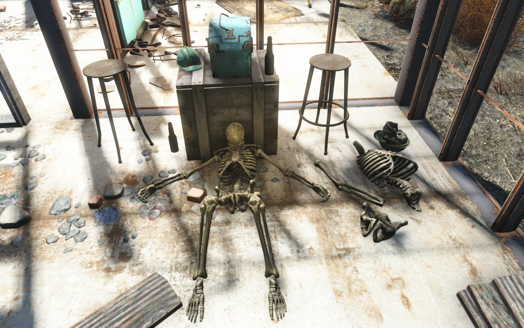 Скелет (восточнее Лодочного домика Таффингтона) - Fallout 4 Лодочный домик Таффингтона, Скелет, Юмор