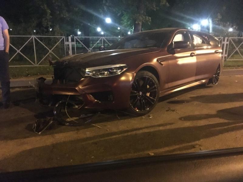 Дорогое BMW, почему не запретили деформироваться кузову вашей новой M5?)