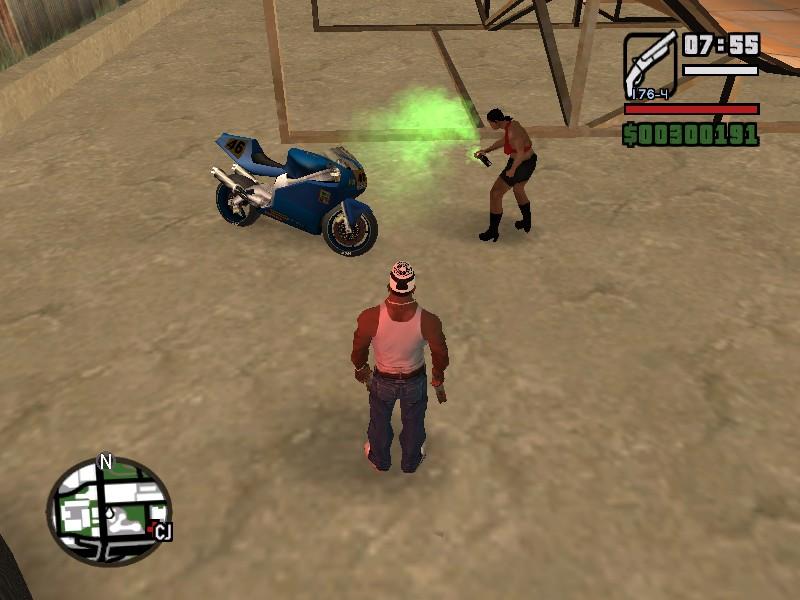 Шлюха)))красит балончиком Мотоцикл)))) - Grand Theft Auto: San Andreas