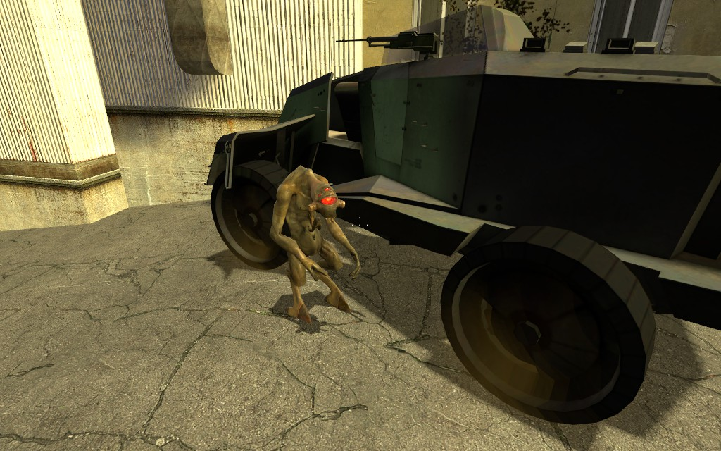 БТР пытается уехать. Тщетно - Half-Life 2
