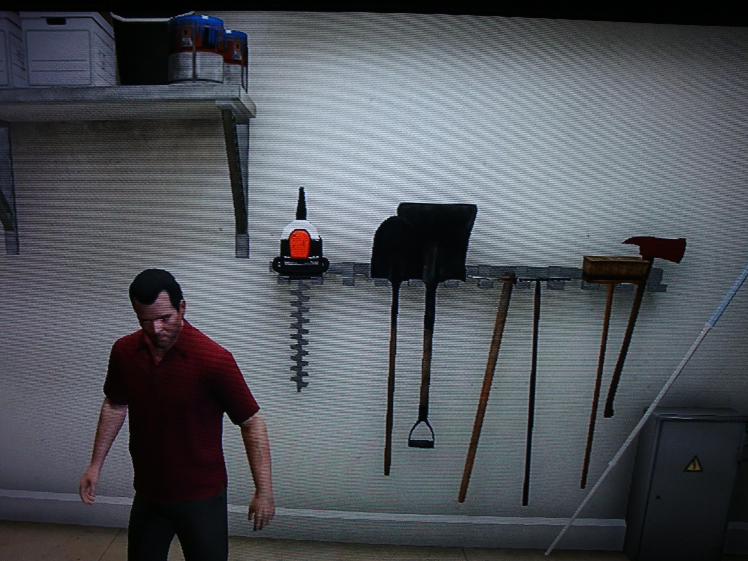 В гараже - Grand Theft Auto 5