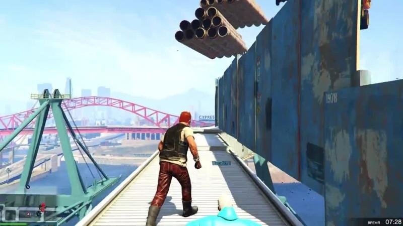 Непроходимая тропа смерти с кучей труб на огромной высоте в GTA 5 OLNINE
