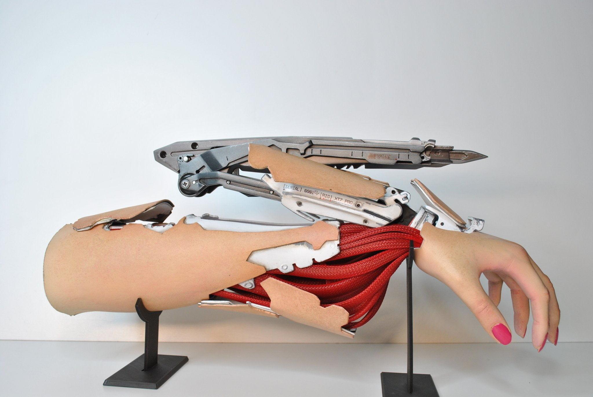 """Частичка """"Киберпанка"""" в реальности: Чехи создали потрясающую механическую руку в стиле Cyberpunk 2077"""