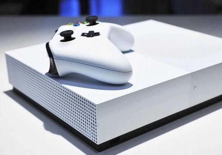 Юморной ролик от Microsoft о трудностях производства Xbox One S All-Digital