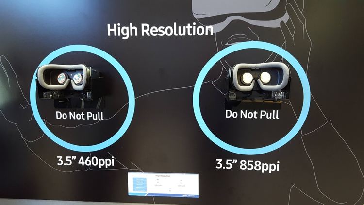 Самсунг представила экран для гарнитурVR сплотностью 858 пикселей надюйм