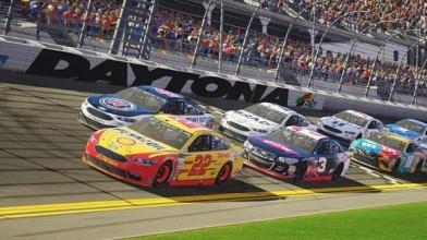 """Создатели NASCAR Heat 2 обещают """"лучшую в мире гонку для двоих"""