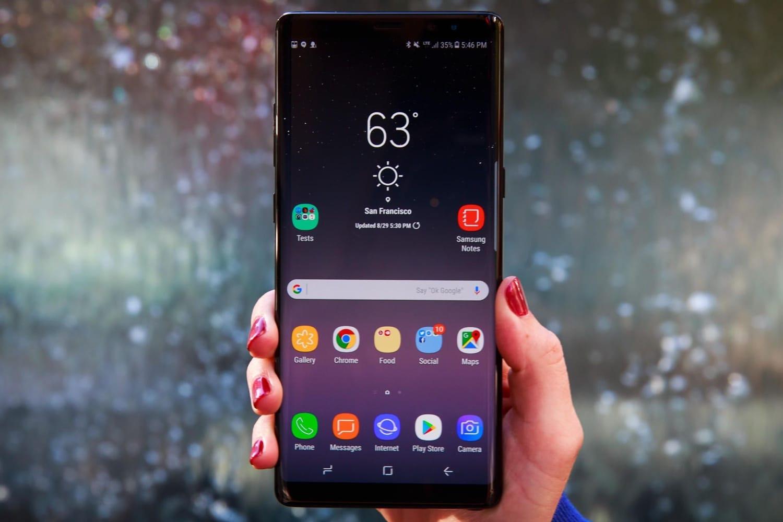 Самсунг готовит смартфон для приверженцев «Звёздных войн»