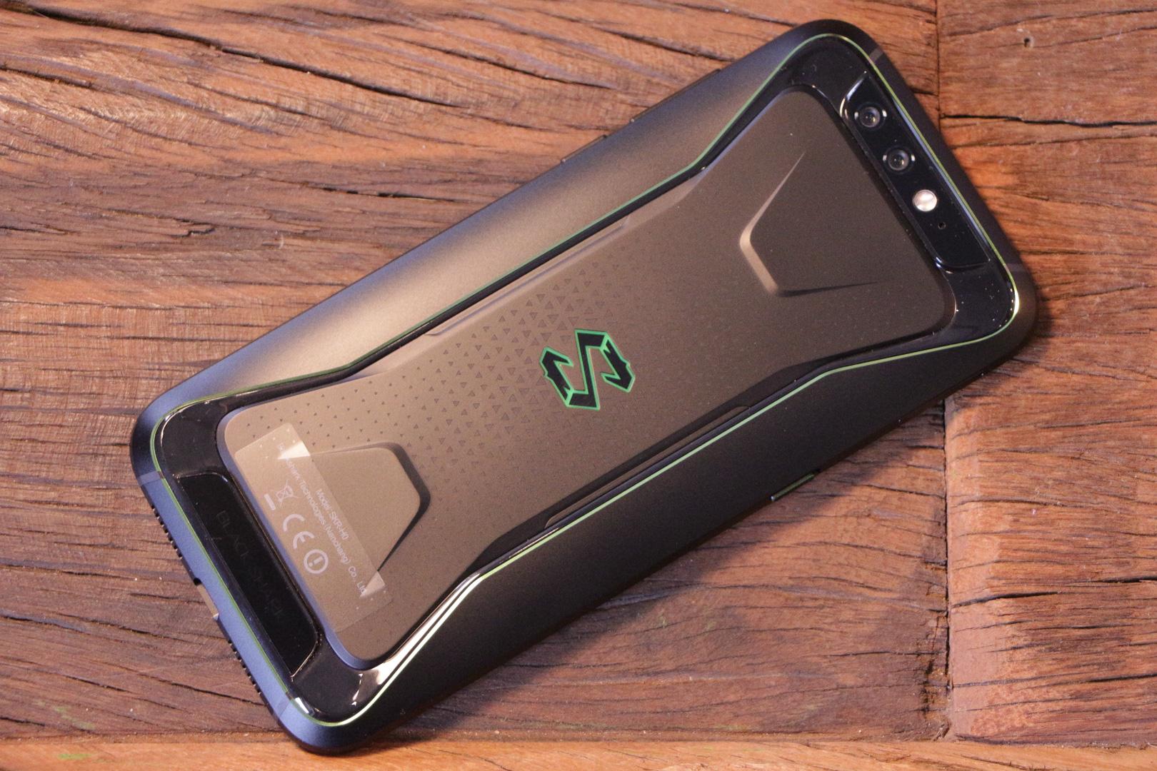 аппарат игровой с телефонами