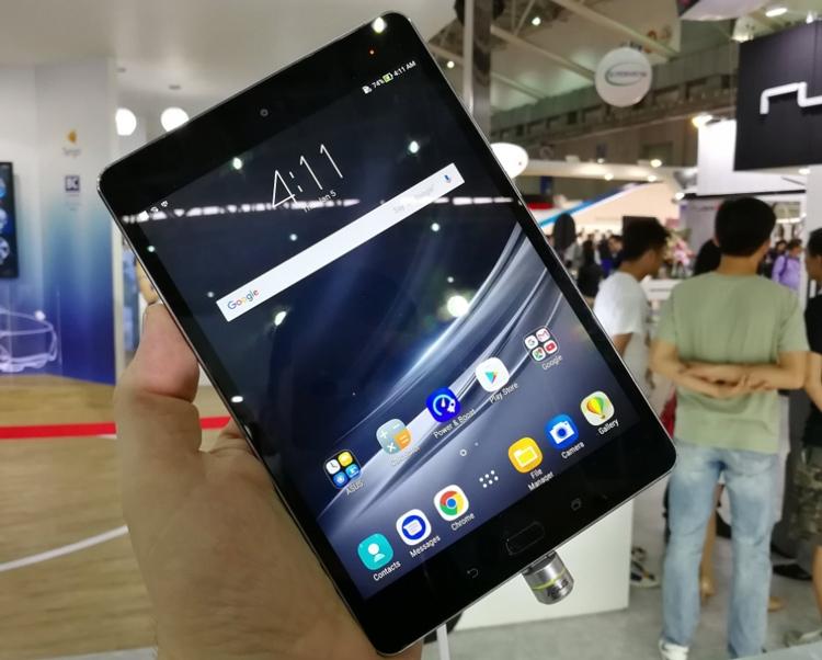 Asus представила два планшета ZenPad 10 средней категории
