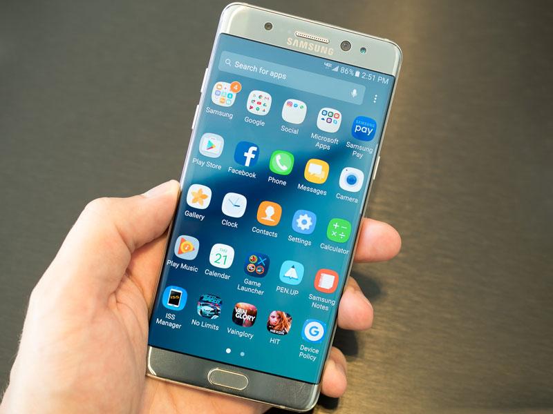 ВСША эвакуирован рейс из-за задымления Самсунг Galaxy Note 7