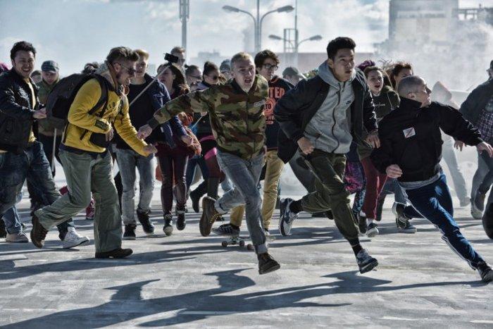 Бондарчук приехал вСеверное Чертаново напредпоказ фильма «Притяжение»