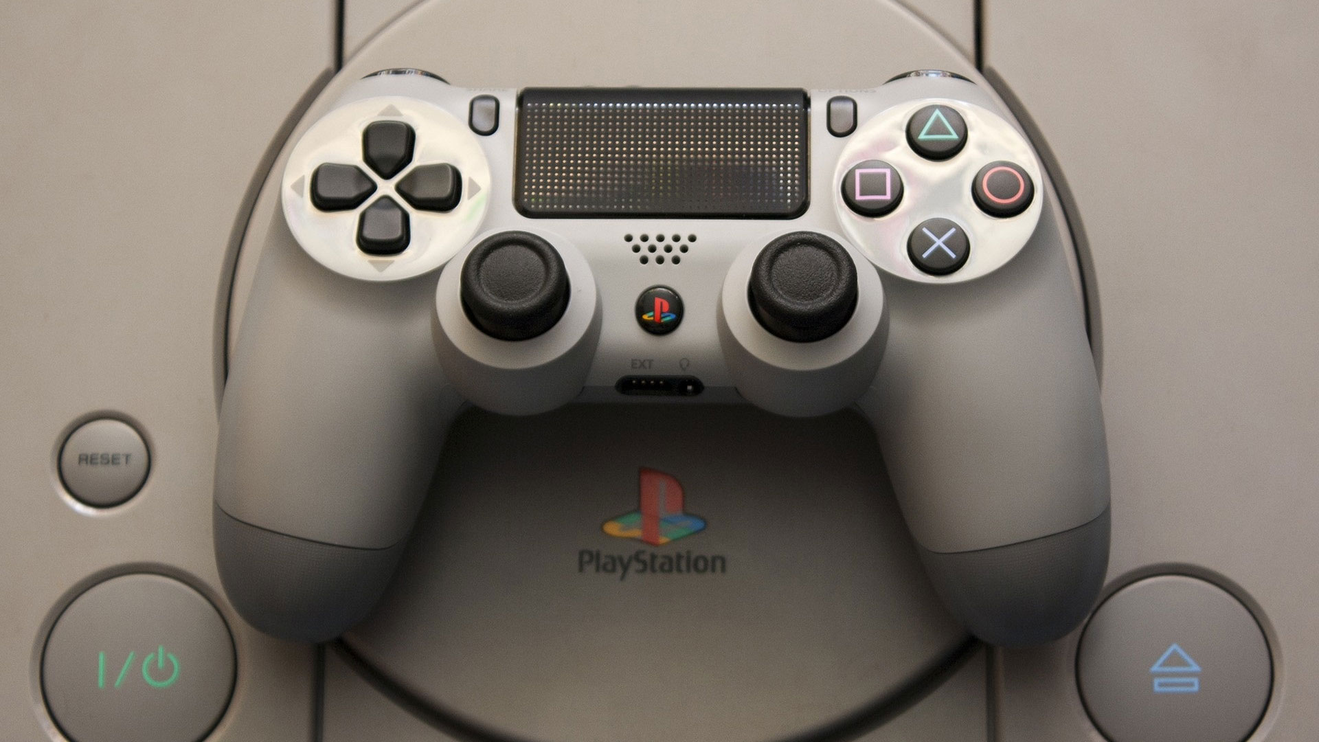 Эволюция легендарного контроллера для Sony PlayStation: от 90-х до сегодня