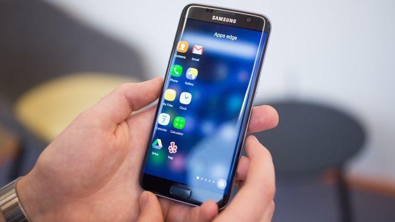 Компания Самсунг анонсировала необычайный растягиваемый OLED-дисплей