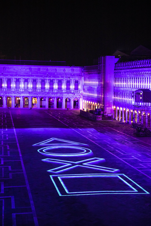 PlayStation празднует запуск PS5 ярким световым шоу на знаменитой площади Сан-Марко в Венеции