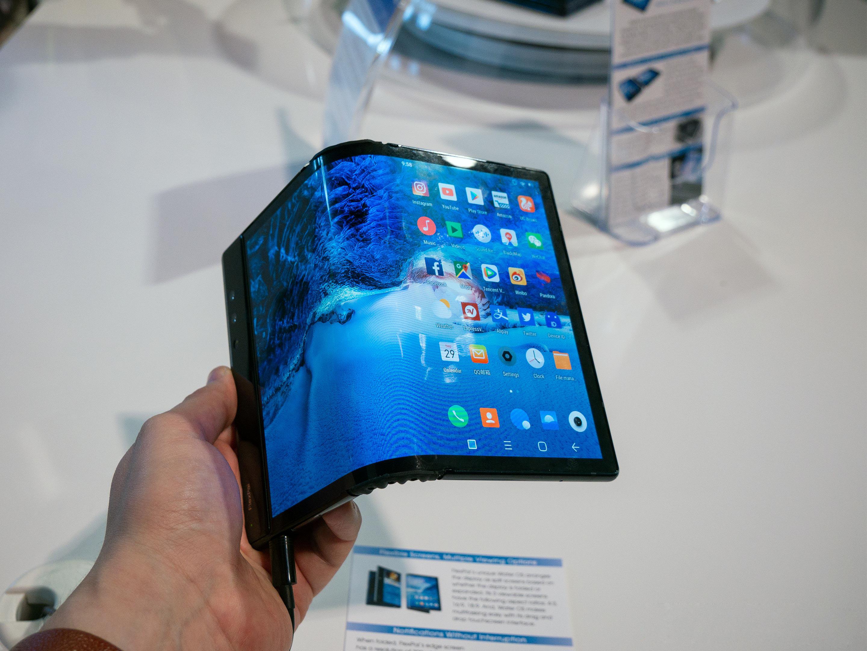 Motorola подтвердила гибкий смартфон, девайс ввиде буквы Zтоже будет