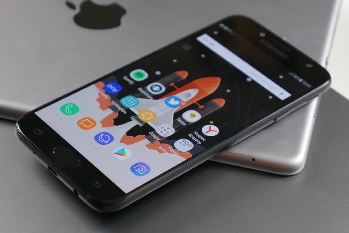 В Российской Федерации  на700 руб.  упал вцене  Самсунг  Galaxy S7
