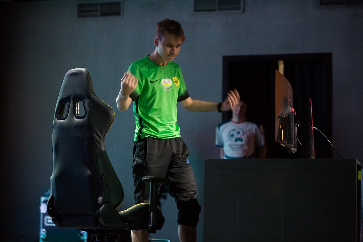 Балабеков стал первым чемпионом РФ поинтерактивному футболу