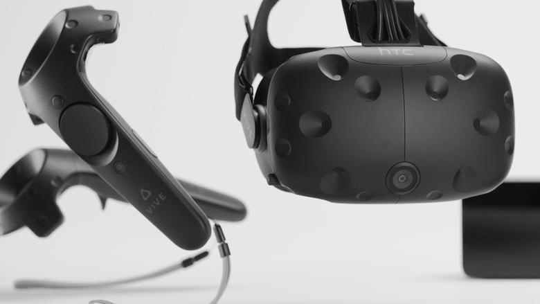 Объявлена русская цена нашлем виртуальной реальности HTC Vive