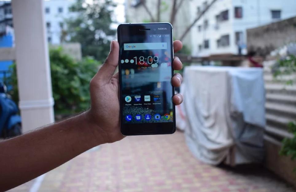 Новый QWERTY-смартфон нокиа E71 поступил в реализацию