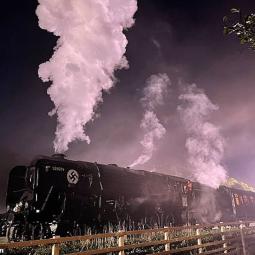"""Поезд нацистов и Харрисон Форд - первые кадры со съемок новой части """"Индиана Джонс"""""""