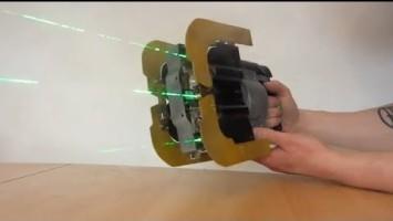 Реплика Dead Space Plasma Cutter, которой можно выжигать дырки в дереве и пластике