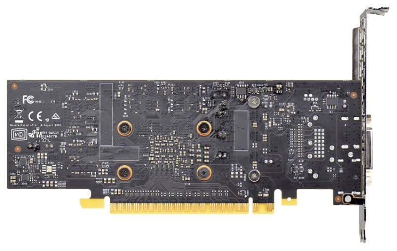 Часть контактов разъёма PCI Express не задействованы